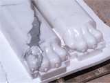 Bath tub animal feet support in Solid Statuary White